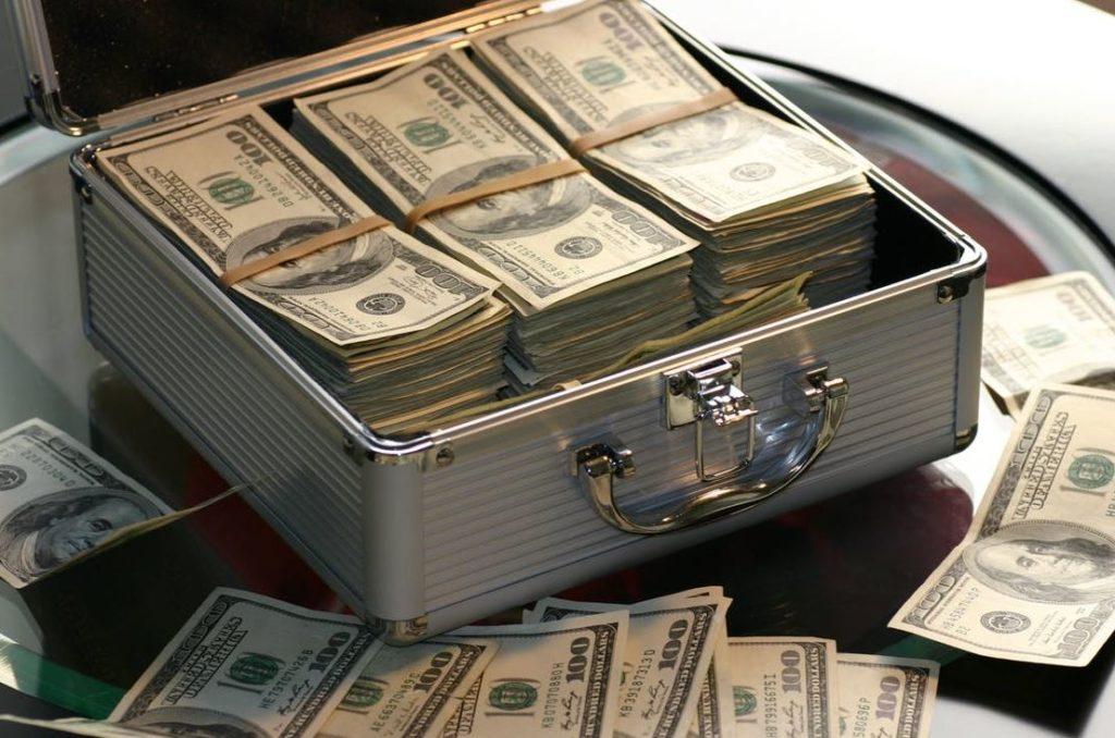 Wie viel Geld braucht man zum Leben Monatlich Sparen